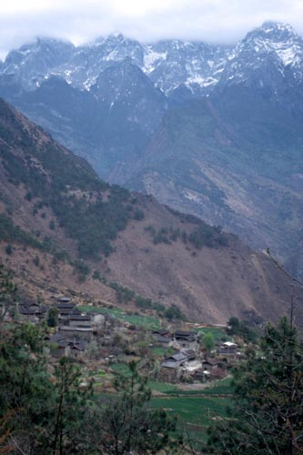 Trekkers can stay in guesthouses at villages along the way.